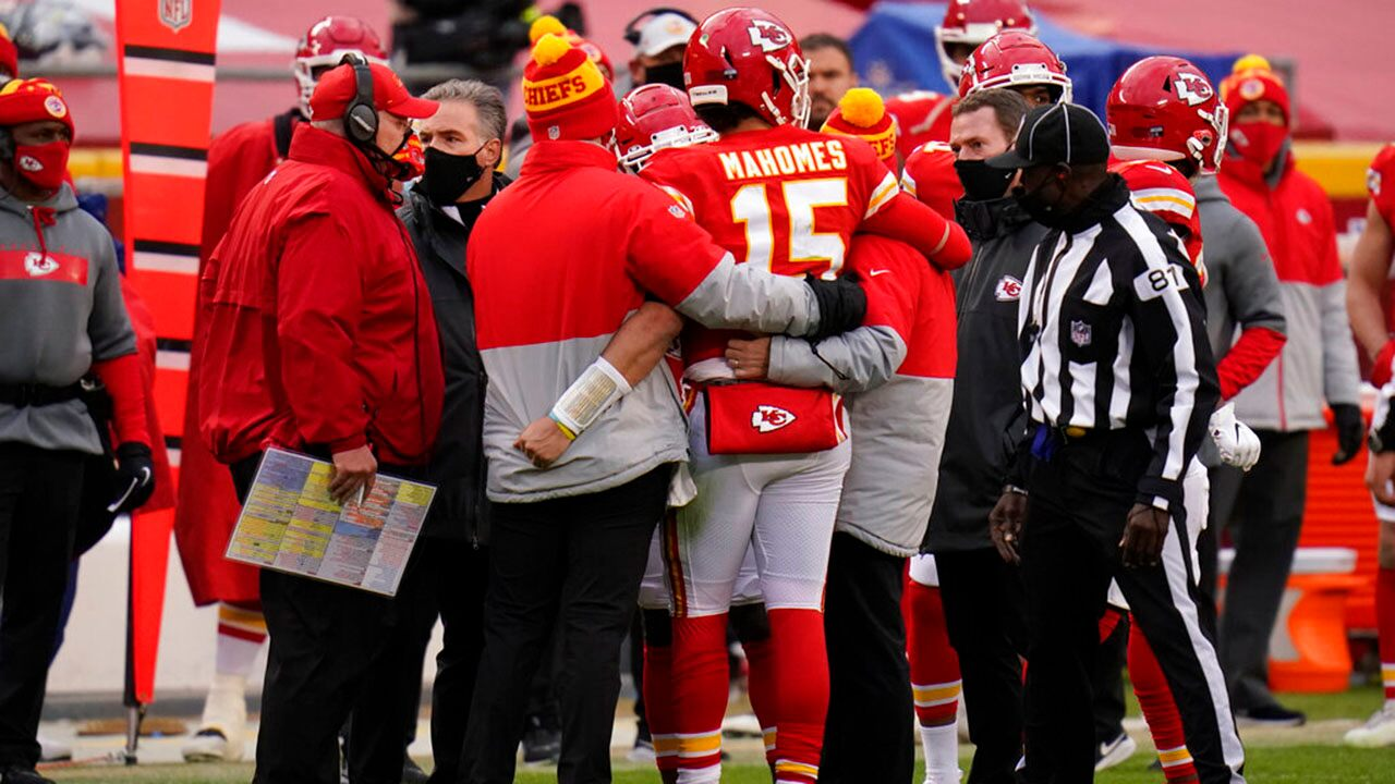 "Andy Reid says Patrick Mahomes is ""doing really well"" after injury during the extension match"