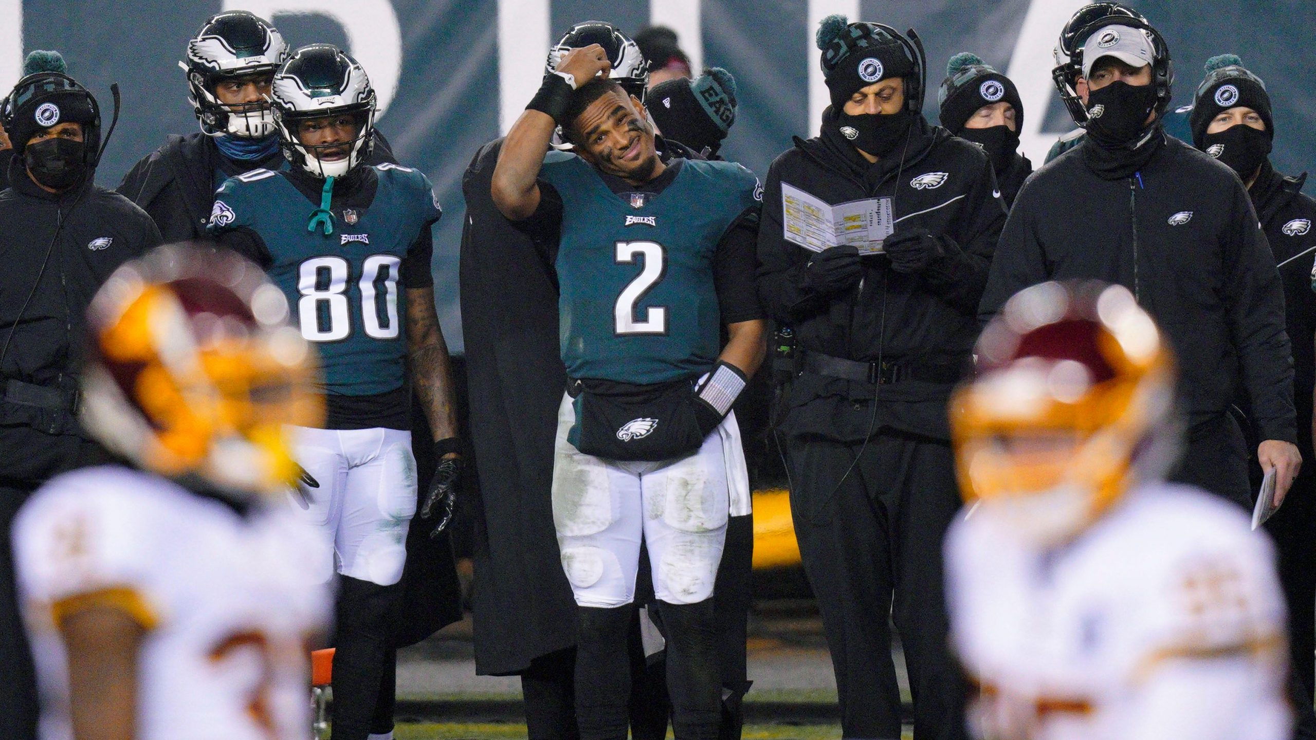 Eagles players and staff disagree with Doug Peterson over the decision to withdraw Galen Horts: report