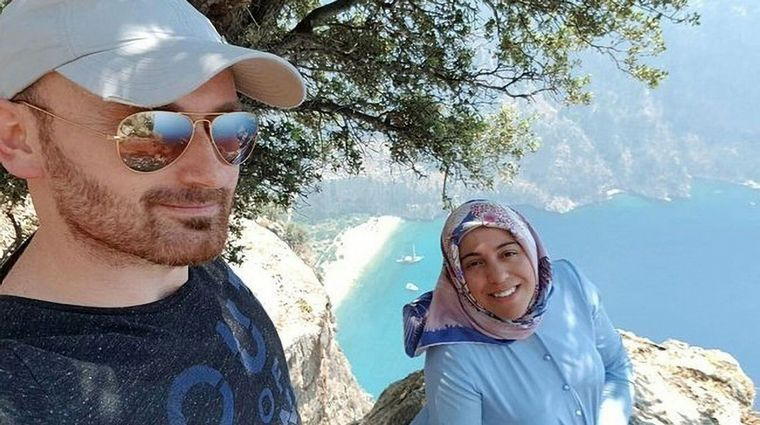 He threw his pregnant wife into the void after taking selfies – news