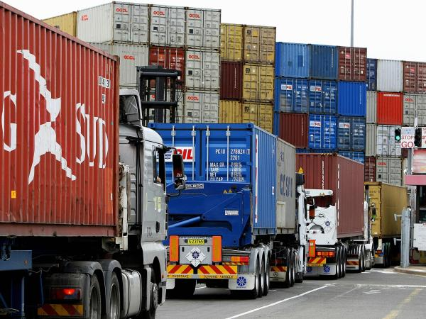 Colombia's trade balance deficit falls by $ 653 million |  Economy