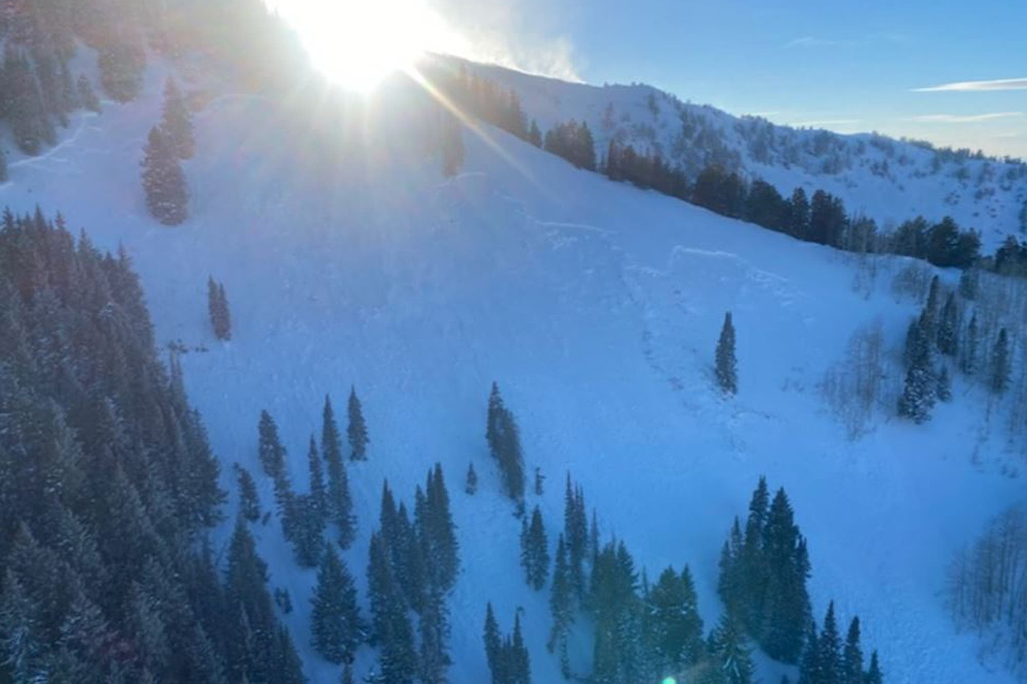 Four skiers died after an avalanche in the United States
