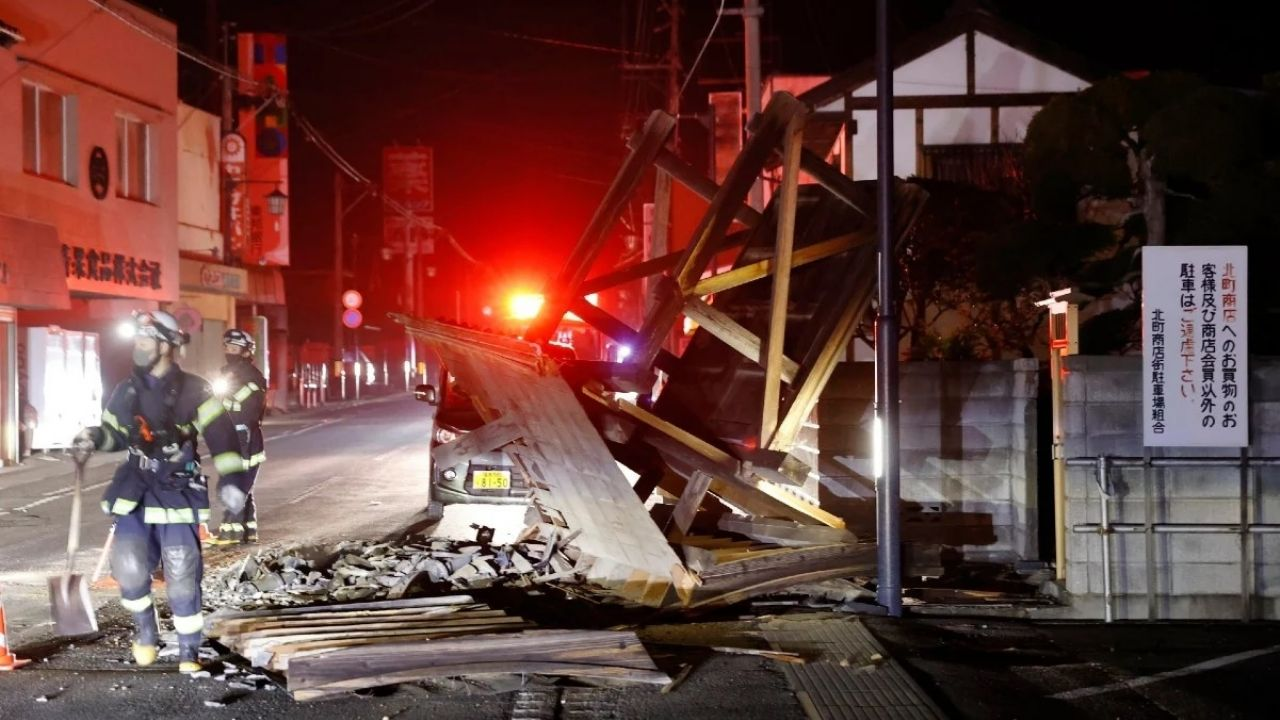 Japan: After the earthquake, nearly a million homes were without electricity