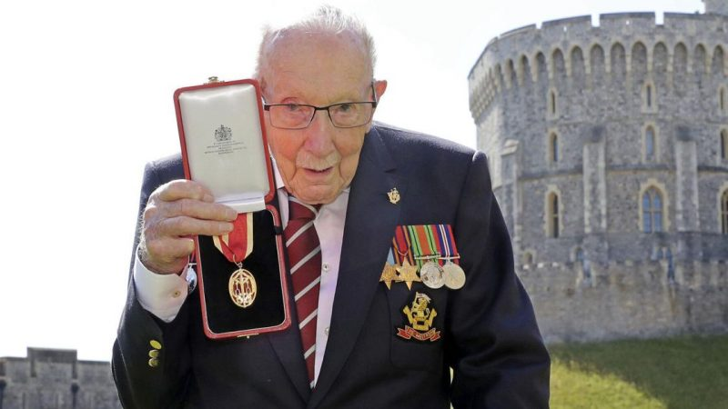 WWII veterinary captain Tom Moore, whose career has been praised in the United Kingdom, has passed away at the age of 100.