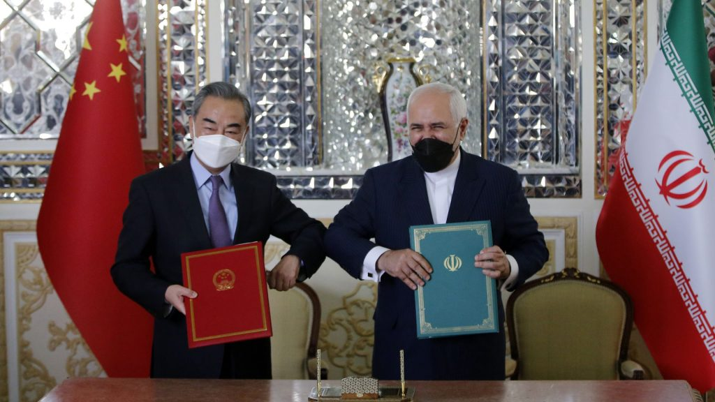 Iran and China sign a 25-year cooperation agreement