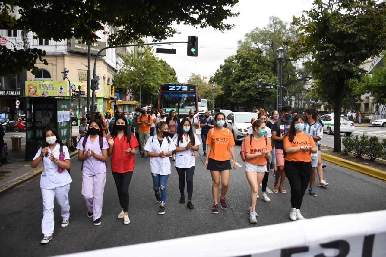 Medical students marched to demand that internships be enabled