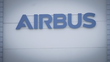 View of the Aibus Logo (EFE / Focke Strangmann / Archive)