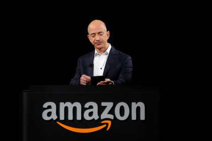 File Image: Jeff Bezos presented Kindle Paperwhite during an Amazon event in Santa Monica, California, US (REUTERS / Gus Ruelas)