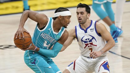 Facundo Campazzo provided 10 assists and stole four balls in the win over the Charlotte Hornets (Photo: AP).