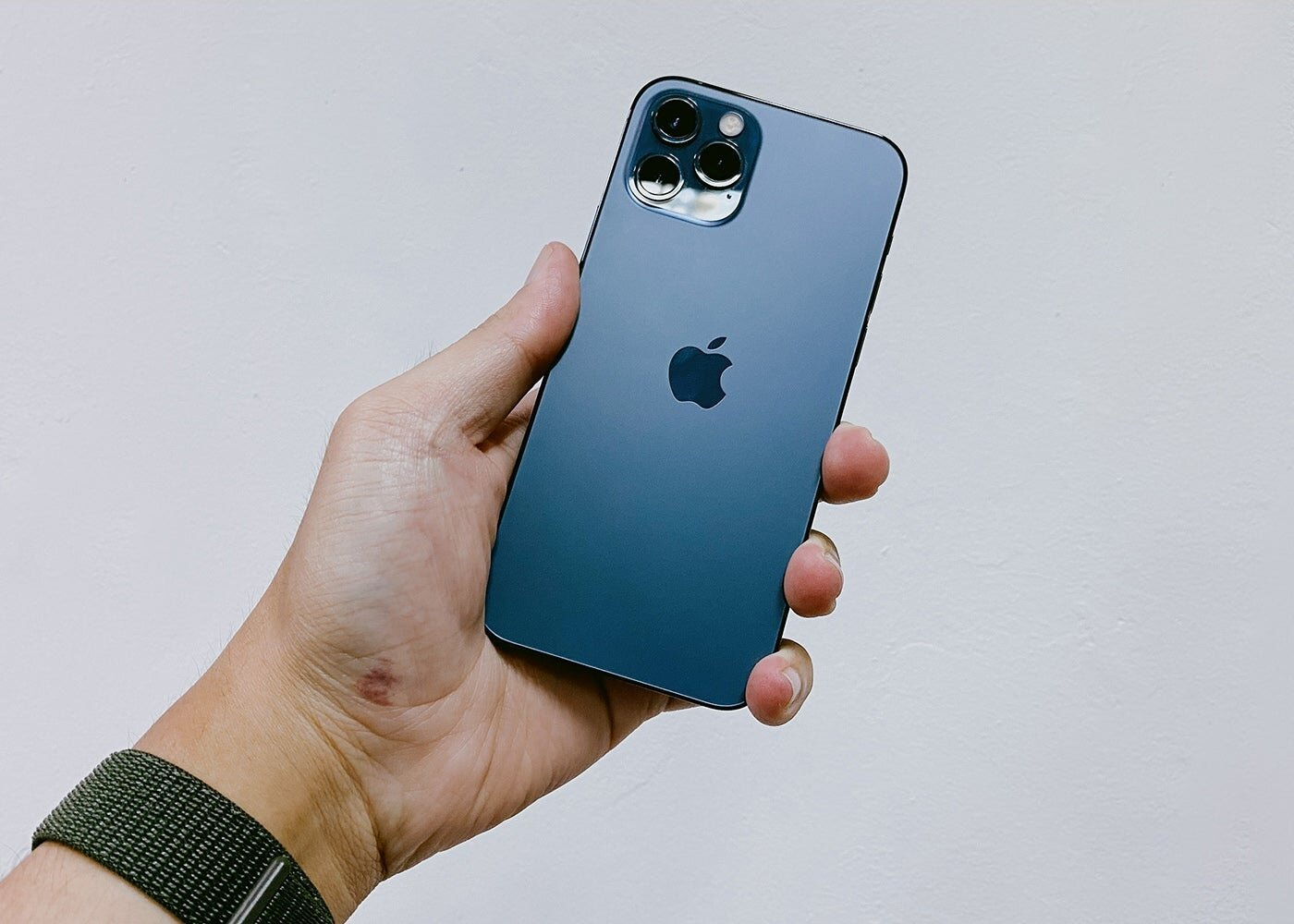 Top 3 Reasons Why iPhone Users Are Switching To Android