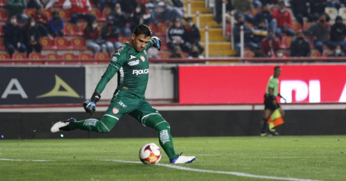 What did Necaxa say about the pre-Olympic injury to Malagon goalkeeper?