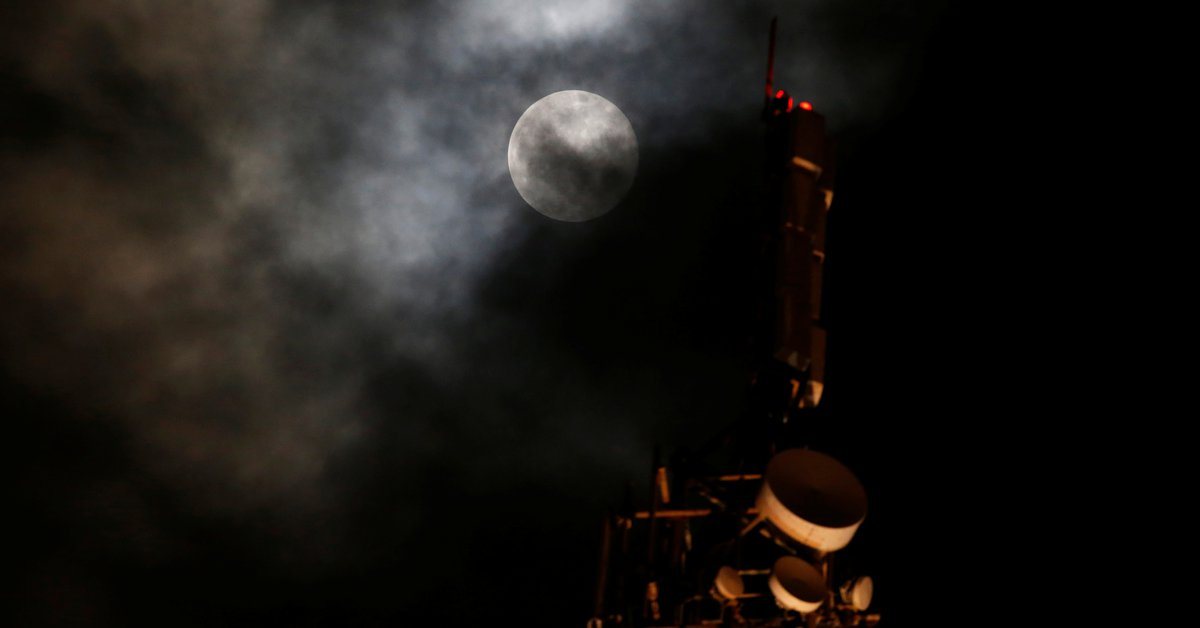 """""""Supermoon"""" is the silent key to unlock the ship that was blocking the Suez Canal"""