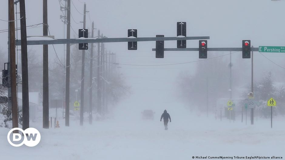 A historic winter storm hits the western United States    The world    DW