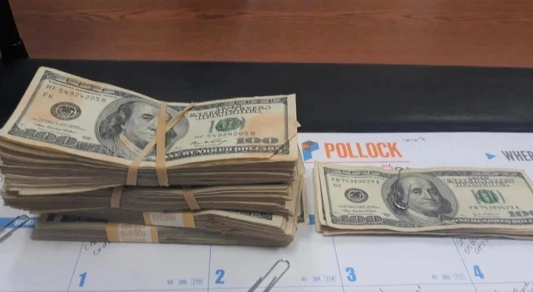 He found $ 42,000 wrapped in old clothes and returned it
