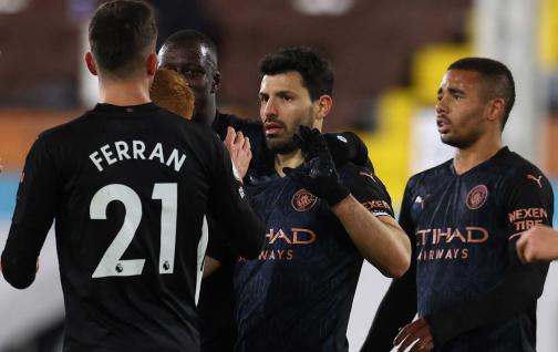 Manchester City wins, adds and remains firm in the first place of the Prime Minister