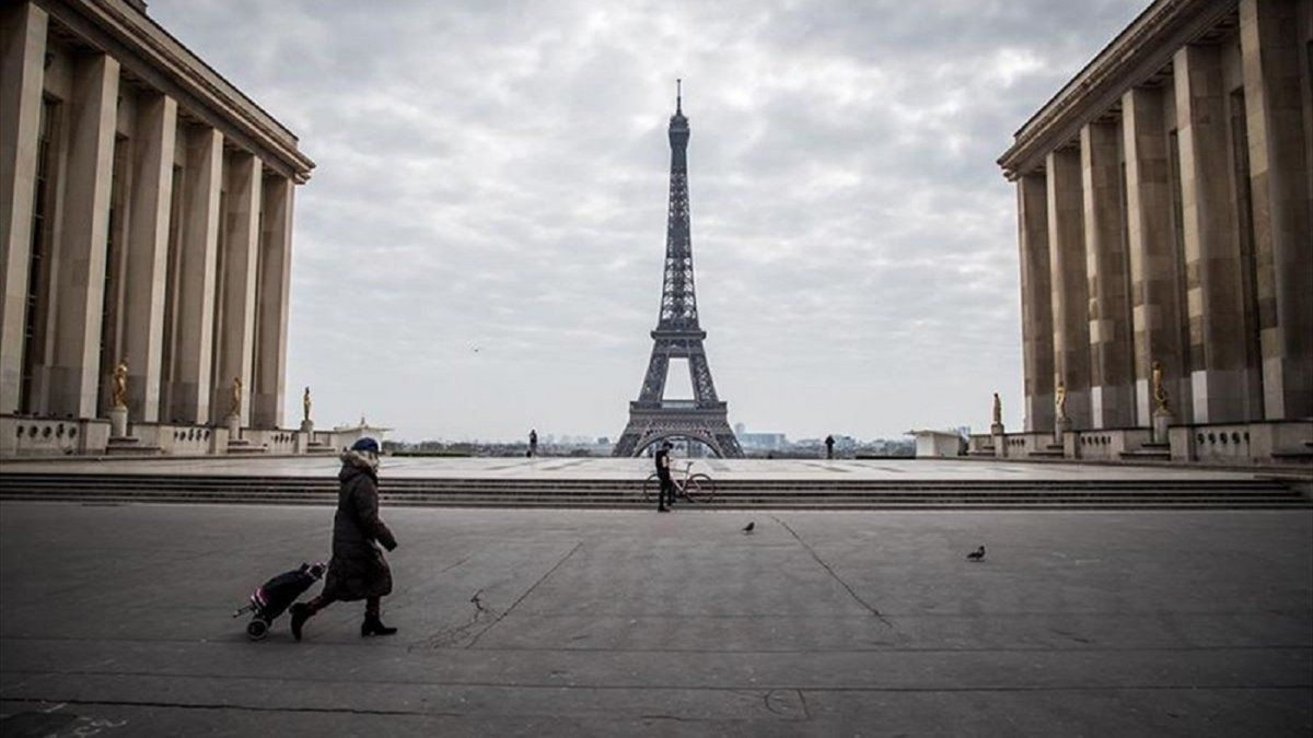 Paris is again in complete quarantine from Friday