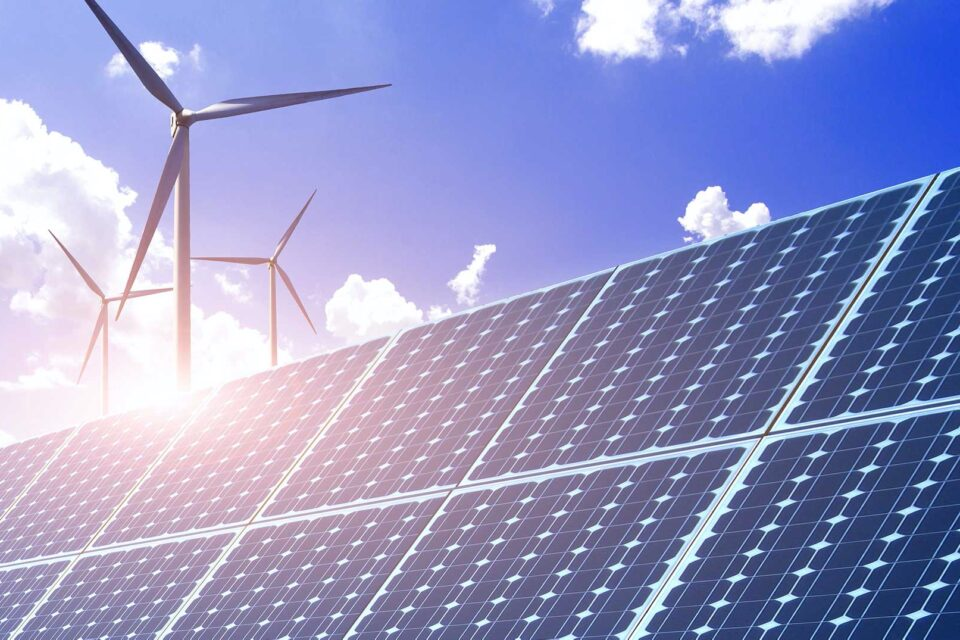 Renewable energy surpasses fossil fuels in the UK for the first time in 2020 – Energy Journal