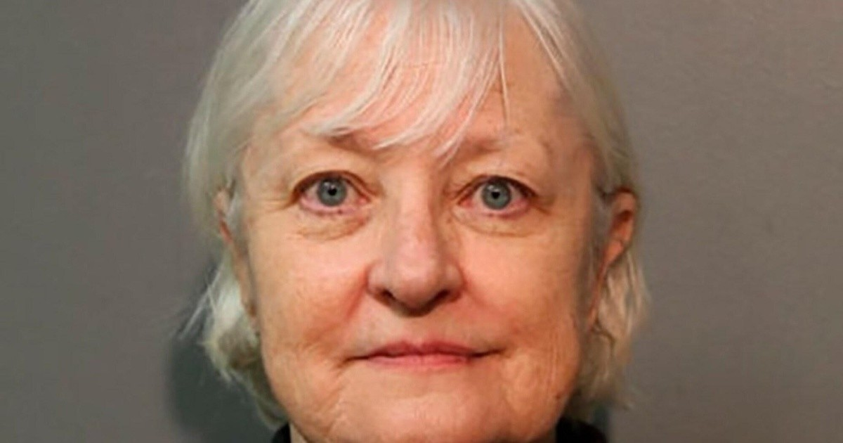 Seventy years accused of defrauding free air travel more than 30 times  Chronicle