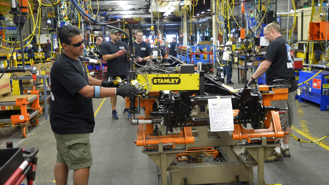 Union warns of Ford's plans to move a new plant from the Northeast Ohio plant to Mexico
