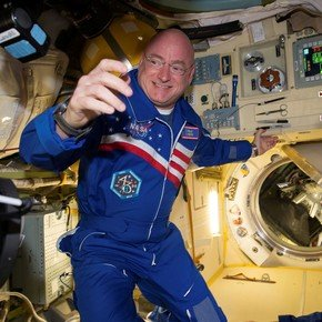 The attention of future astronauts: in space the heart is shrinking