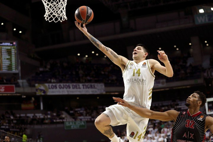 Deck fly to hoop.  Now, it will fly to the NBA.  Photo EFE / Gwangju Martin