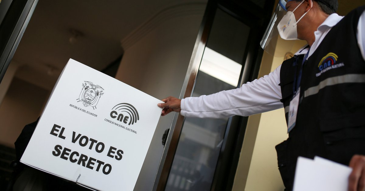 """The United States asked that the election results be respected in Bolivia, Ecuador, and Peru: """"We expect fair, free and peaceful operations."""""""