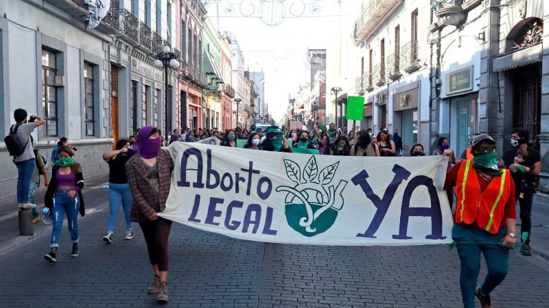 """Grupo Provida seeks jail time for medical student and doctor in Puebla for """"promoting abortion"""""""