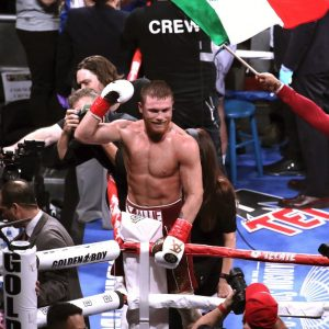 """""""I'm ready to make history"""": Canelo Alvarez is a few days away from his fight against Billy Joe Saunders"""