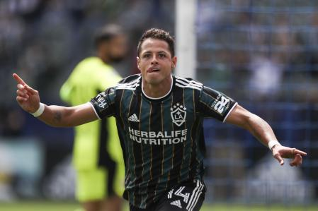 Carson, California - April 25: Javier Hernandez celebrated No. 14 of Los Angeles Galaxy with his first-half goal against the New York Red Bulls at Dignity Health Sports Park on April 25, 2021 in Carson, California.  Meg Oliphant / Getty Images / AFP == For newspaper, internet, TV and TV use only ==