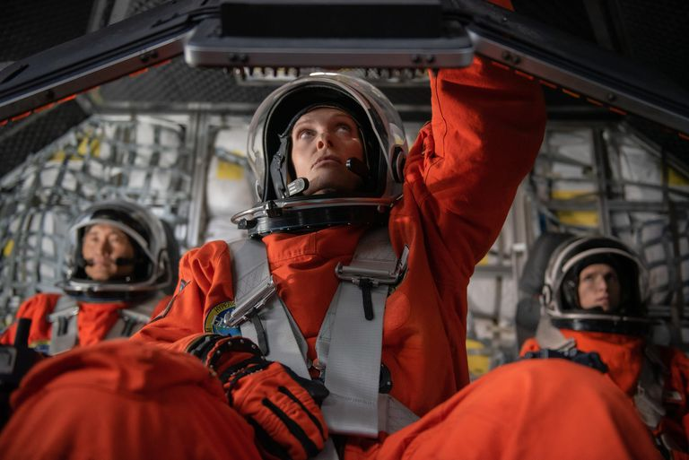 Netflix: An unexpected traveler exposes a series of ethical dilemmas in expanding space