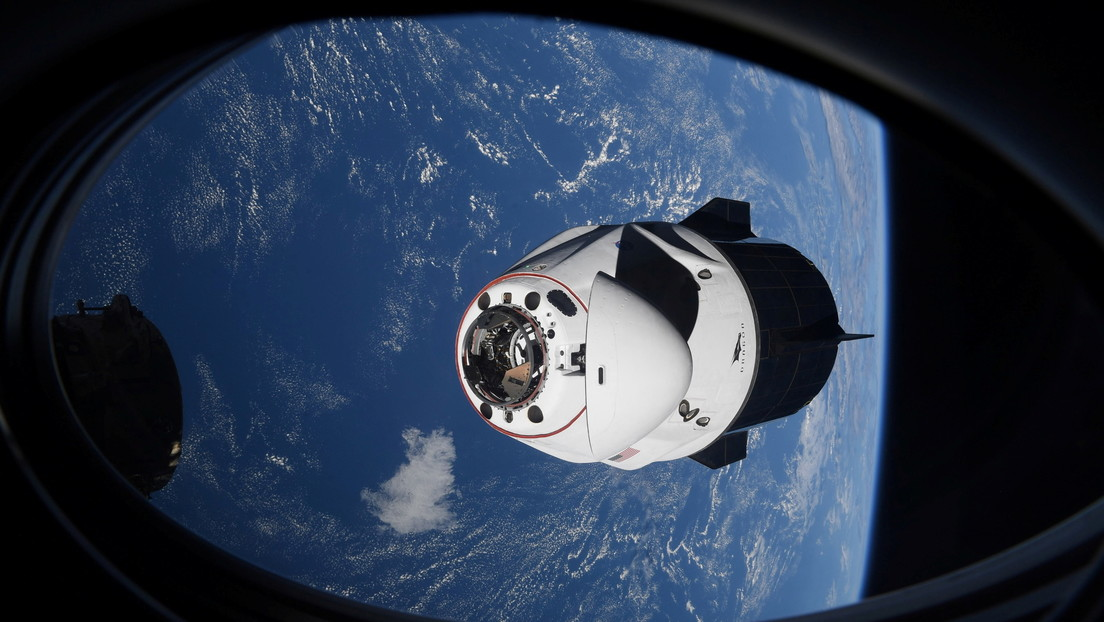 """Video: An """"unknown object"""" collided with a SpaceX crew with 4 astronauts on board"""
