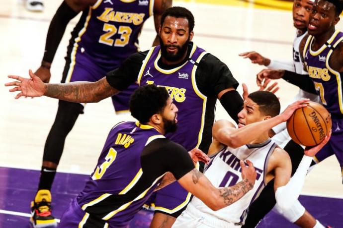 106-110.  Kings support the loss of the Lakers at Return of James