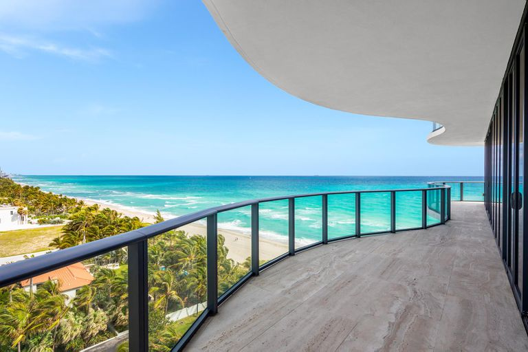 The apartment is surrounded by a large terrace with a panoramic view of Paradise