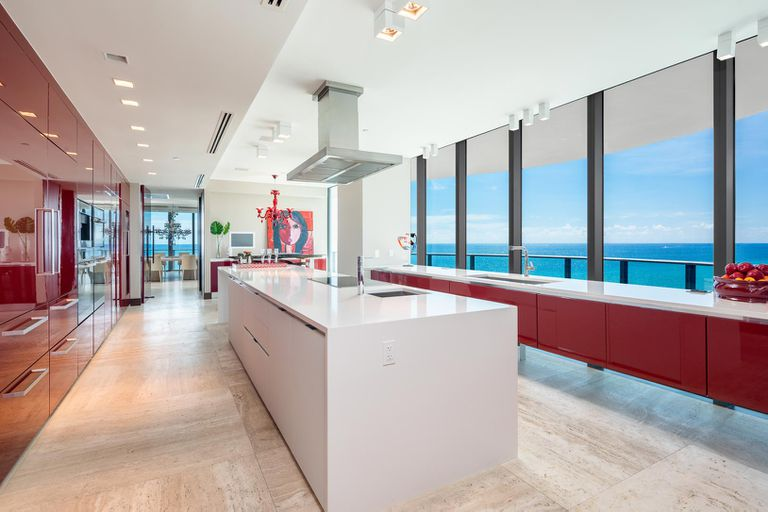 Spacious kitchen with a breathtaking view