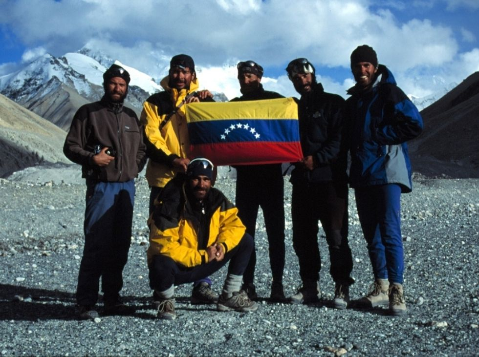 20 years ago, the flag of Venezuela visited the summit of the planet