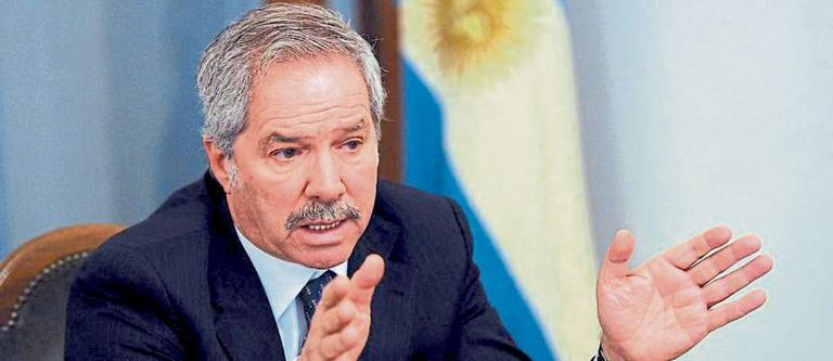 """Felipe Sola: """"The situation in Venezuela ends up becoming toxic"""""""