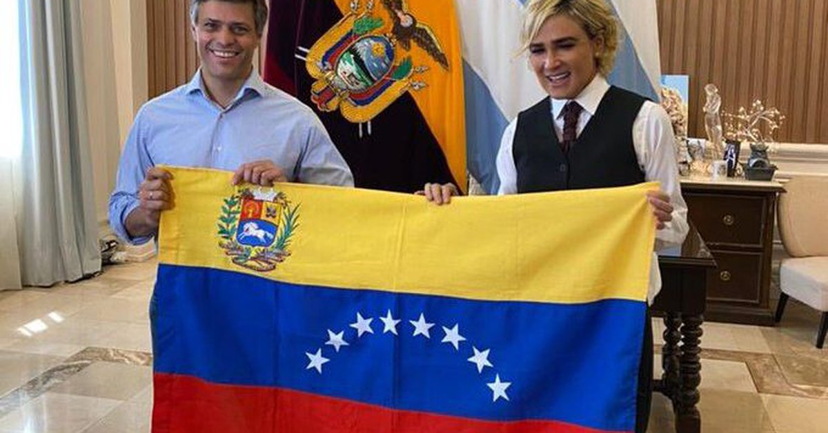 Leopoldo Lopez met with the mayor of Guayaquil before Laso's inauguration as President of Ecuador