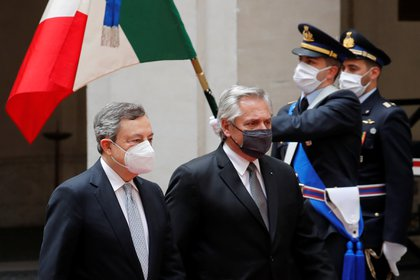 Alberto Fernandez and Italian Prime Minister Mario Draghi during their meeting in Rome to analyze bilateral relations and negotiate external debt between Argentina and the International Monetary Fund