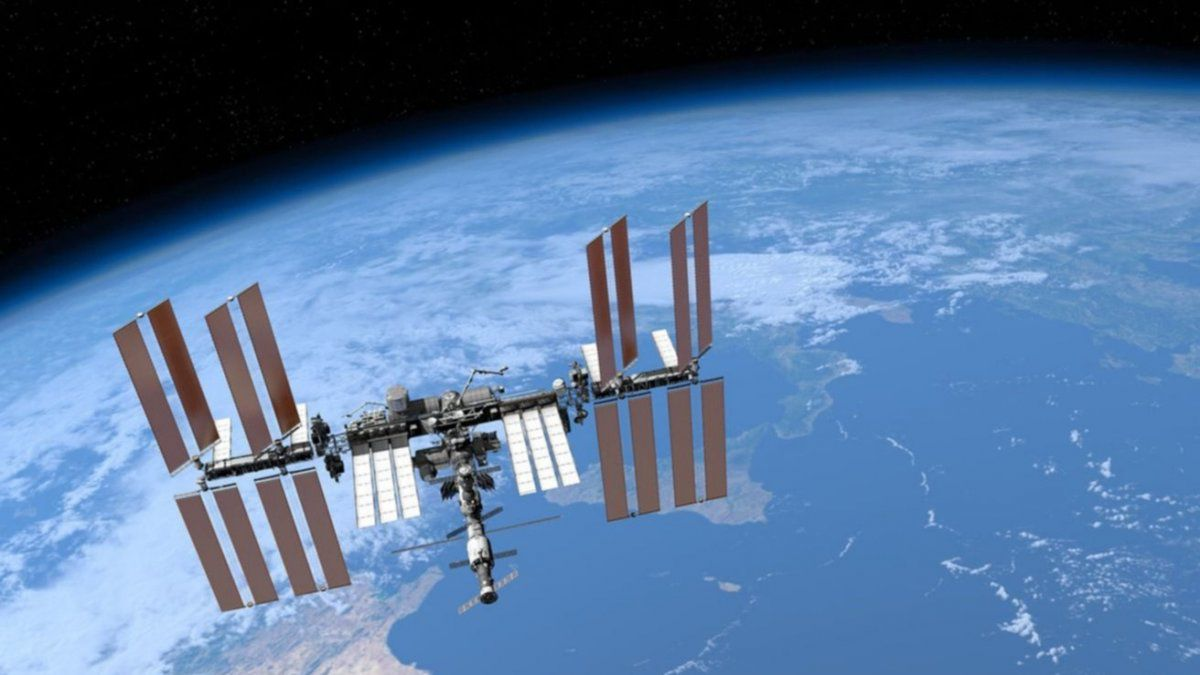 Early risers will be able to see the passage of the space station on Mondays and Tuesdays in Santa Fe