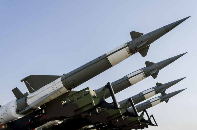 10 missiles fell on a US base in Iraq