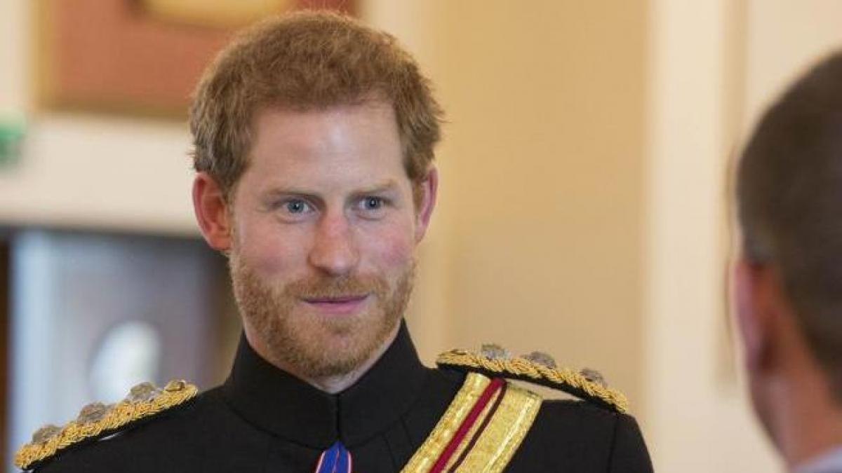 Prince Henry arrives in the UK to attend a ceremony honoring Mrs. Di