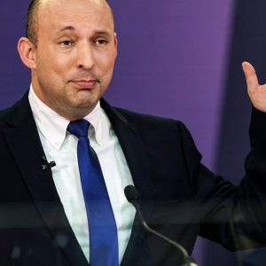 Israel's parliament confirms Naftali Bennett as new prime minister: he succeeds Netanyahu after 12 years in power