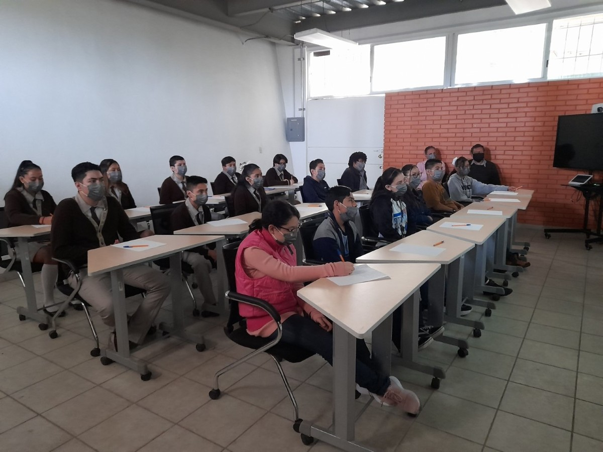 Salamanca students go to a science dissemination project