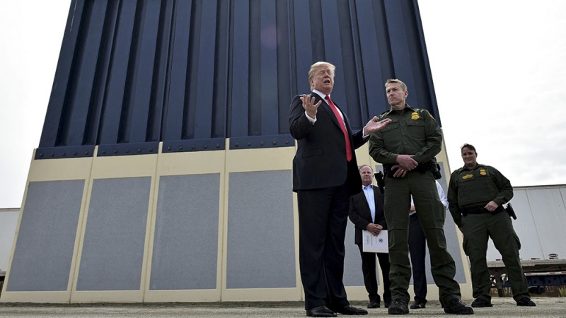 Trump traveled to the border with Mexico to denounce Biden's immigration policy