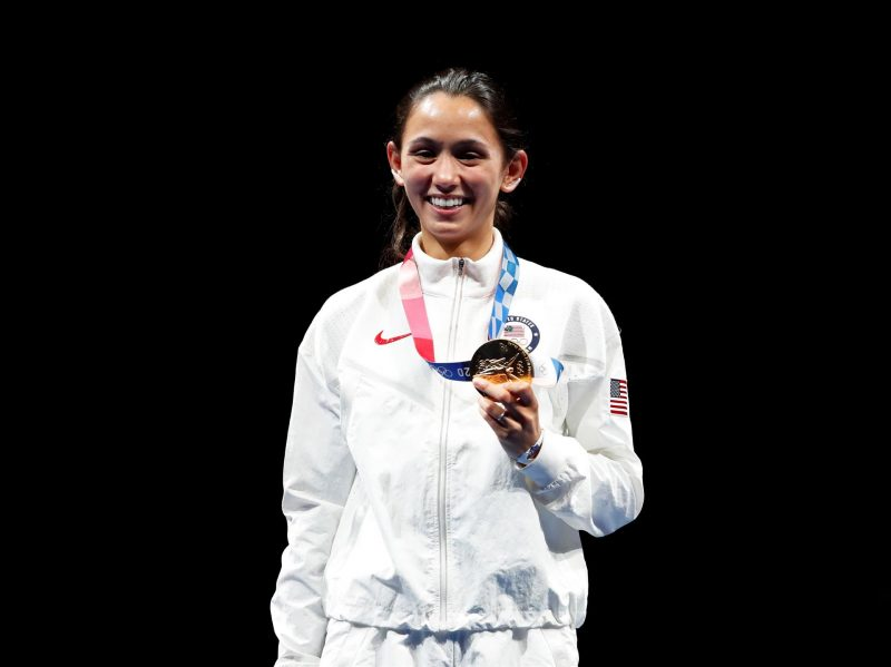 American medical student wins gold in fencing in Tokyo