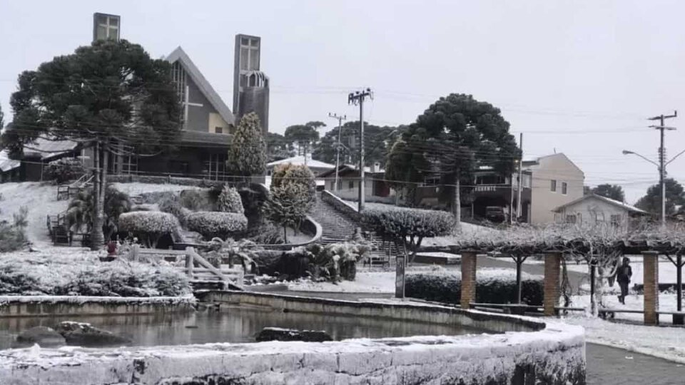 Polar Wave: Videos of historic snowfall in southern Brazil |  At least 13 cities have woken up painted white