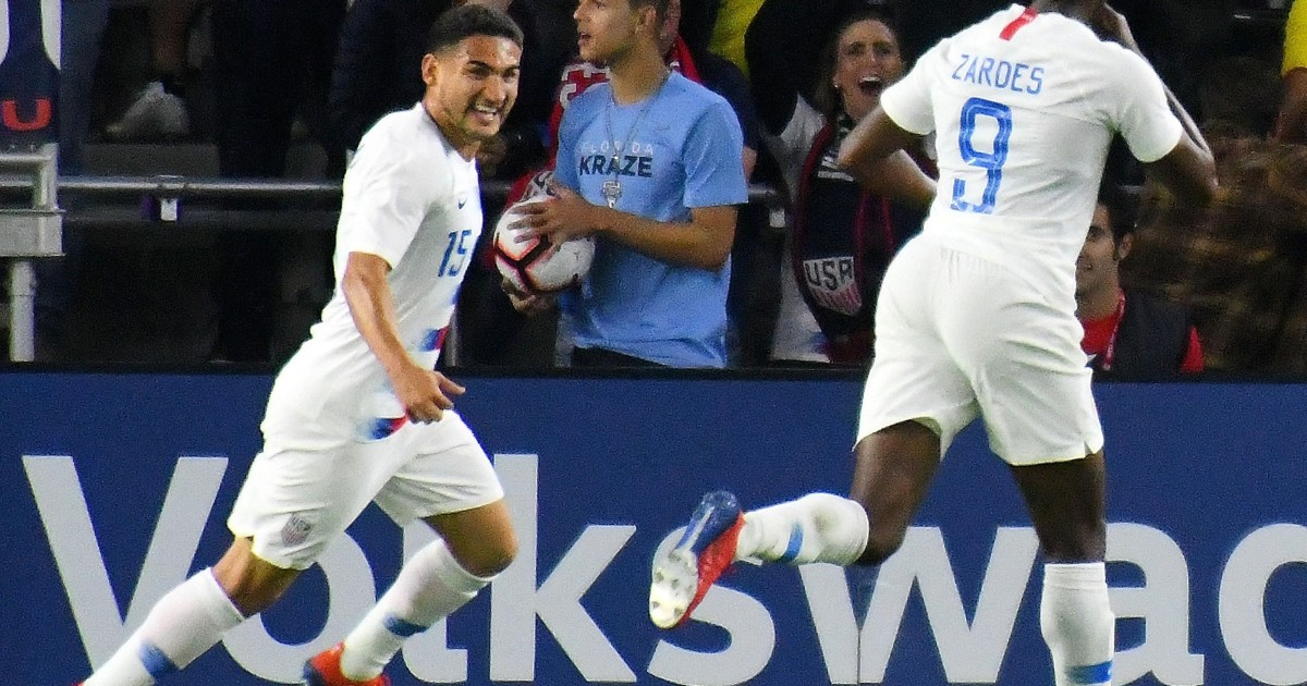 The United States and Canada reached the quarter-finals with goals