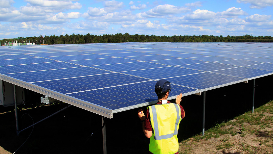 """How are the new solar panels """"Ultra-flexible, lightweight and incredibly strong"""" Which will be funded by the European Union?"""