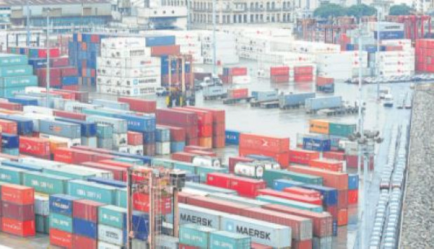 Containers in the port of Montevideo.  Photo: El País . Archive