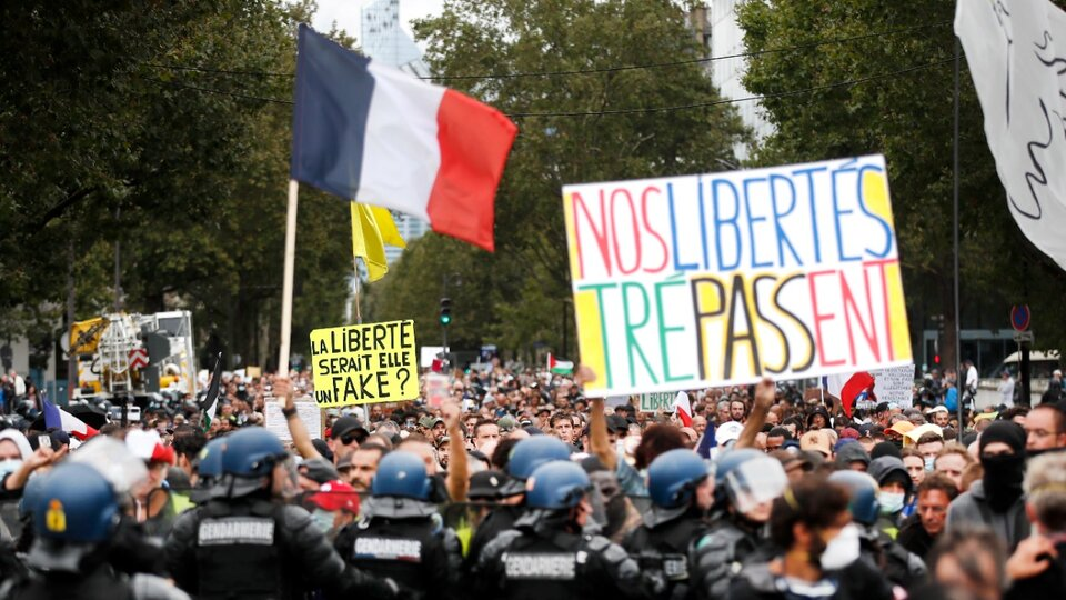 France: Protests against the health corridor of Covid vaccines    More than 230,000 people took to the streets