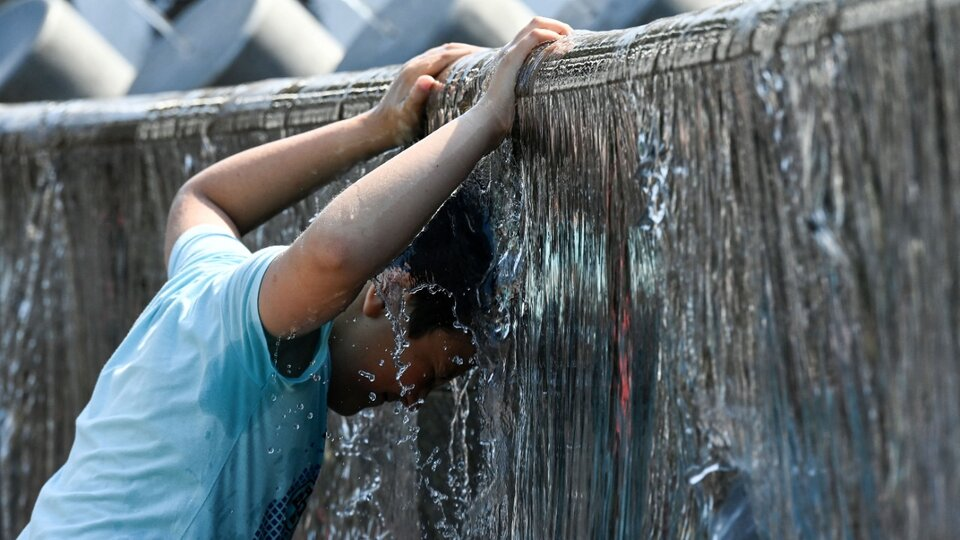 July was the hottest month in history    Experts say that the Earth is undergoing irreversible changes due to global warming